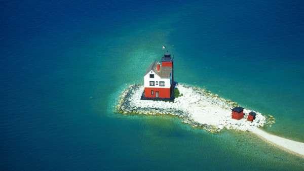 20 одиноких домиков на островах (7)