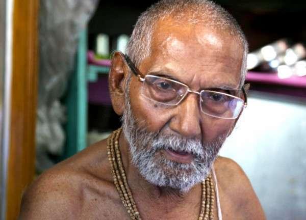 Этот индийский монах утверждает, что он 120-летний девственник