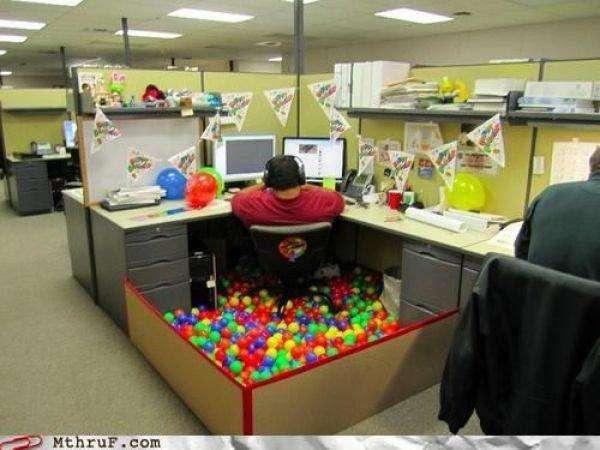 Офісні невдачі і робочі приколи (38 фото)