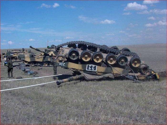 Аварії танків - військові рулять (14 фото)
