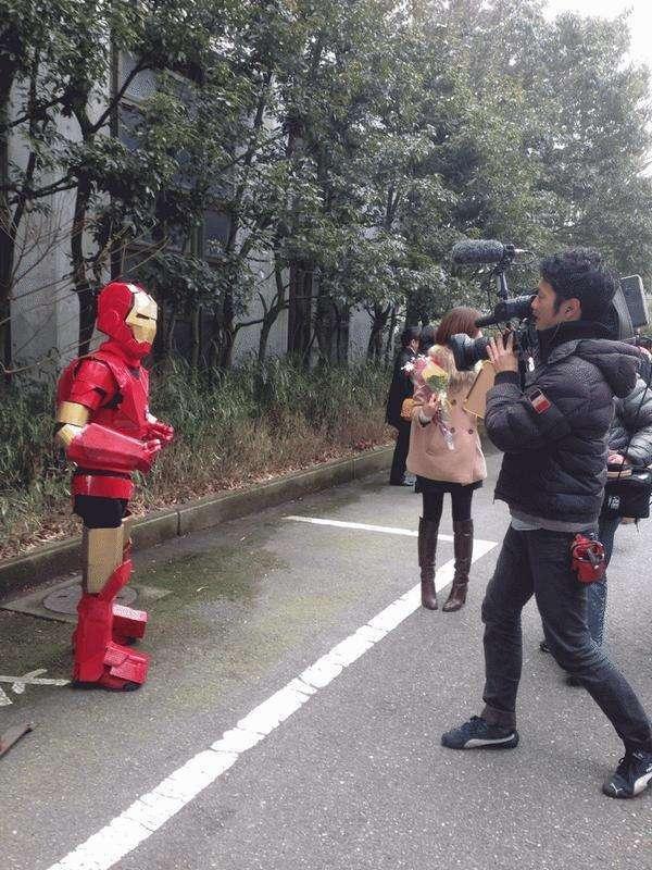 Японський коледж дозволяє студентам приходити на випускний в чому завгодно (11 фото)