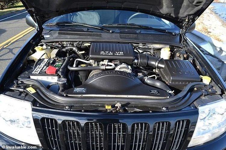 Jeep Grand Cherokee, которым владел экс-президент США, продадут на аукционе Интересное