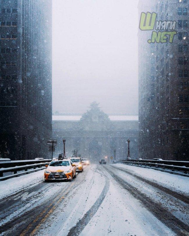 Атмосфера улиц Нью-Йорка нью-йорк