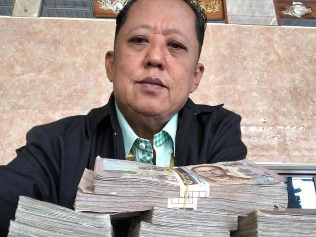 Миллионер ищет жениха для своей дочери и готов заплатить будущему зятю Всячина