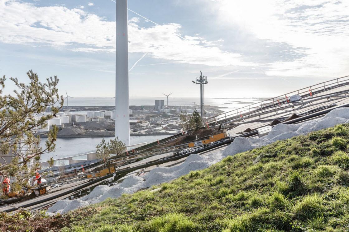 Лыжный склон на датском мусоросжигающем заводе архитектура
