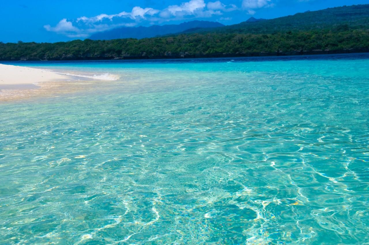 Уголки мира с самой прозрачной голубой водой вода