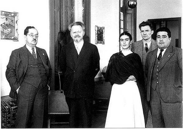 Любовная ловушка для Троцкого: как муж Фриды Кало Диего Ривера стал подозреваемым в заговоре против революционера