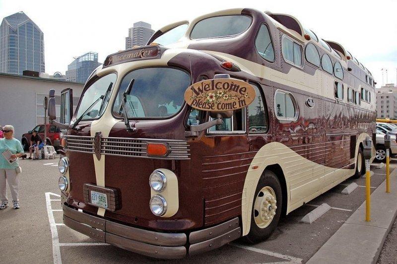 «Миротворец» - уникальный автобус, созданный руками энтузиастов