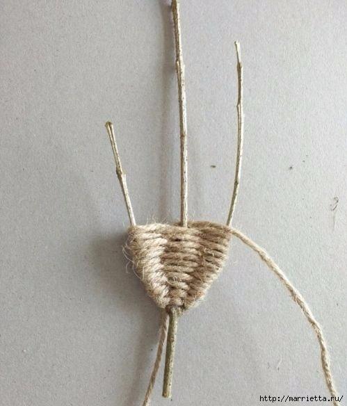 Декоративные листики из веточек и шпагата Декоративные листики из веточек и шпагата