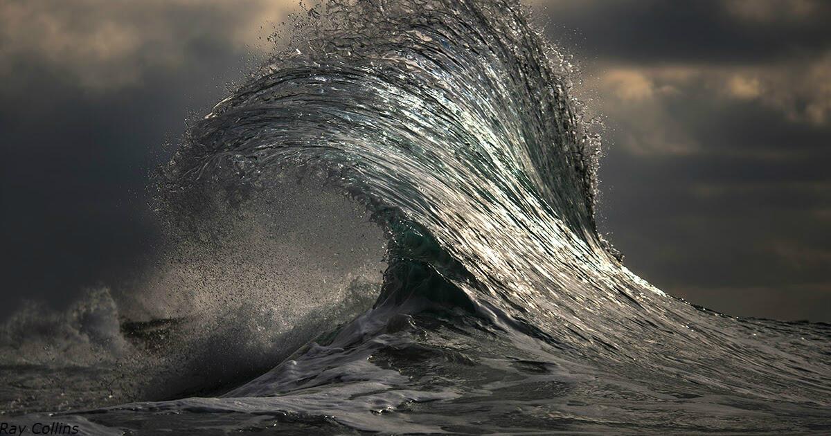 Австралийский фотограф десятки лет снимал волны. Вот его самые сильные фото Фотография