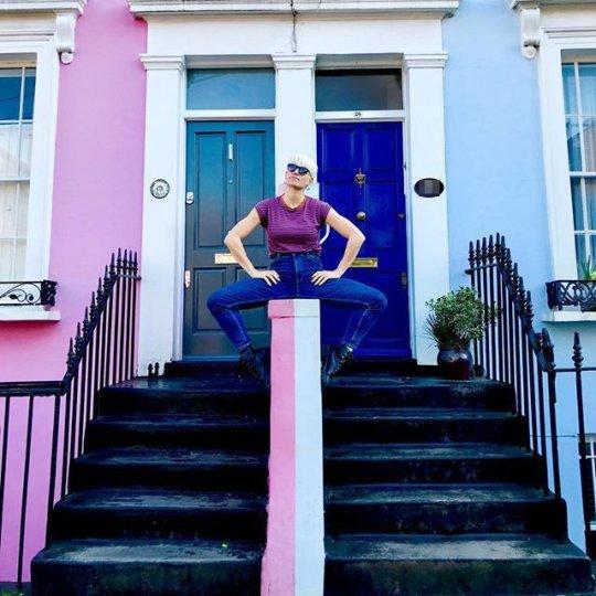 Туристы наводнили богатый район Лондона из-за страсти к сэлфи авиатур