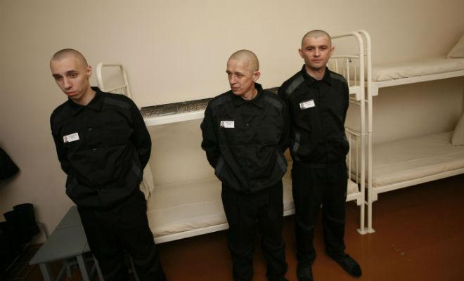Новички в тюрьме: как проходит их встреча законы