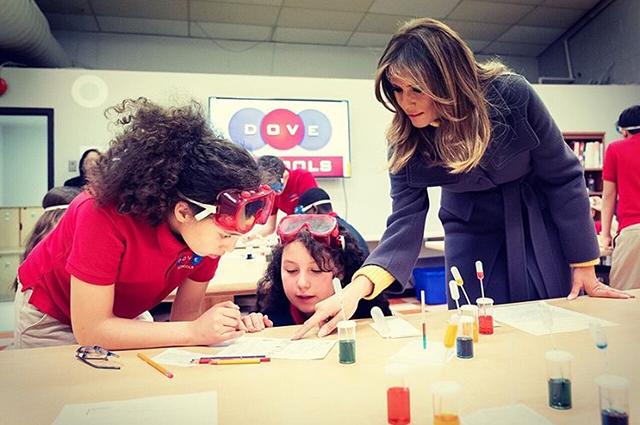 Мелания Трамп прилетела с официальным визитом в Оклахому Новости