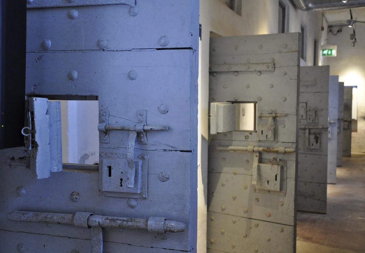 Тюремные университеты: как я сам себе прислал письмо с того света