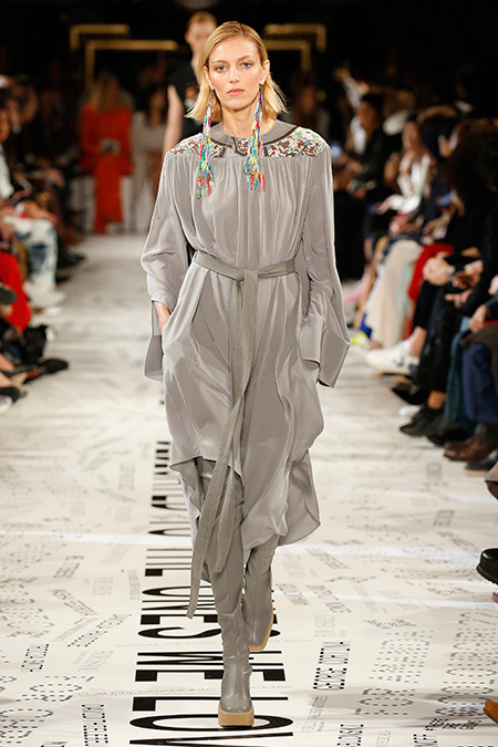Тина Кунаки, Наталья Водянова, Даутцен Крез и другие на показе Stella McCartney Мода / Новости моды