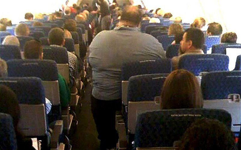 30 сцен на борту самолета, которых вы предпочли бы никогда не видеть