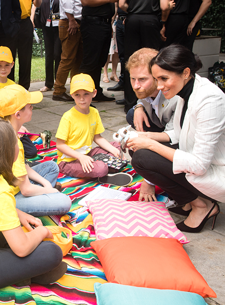 Кенсингтонский дворец дал редкий комментарий о ребенке Меган Маркл и принца Гарри Монархи / Британские монархи
