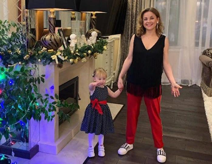 """""""Зачем он только ее выбрал"""": поклонники раскритиковали супругу Николаева за ее внешний вид звезда"""